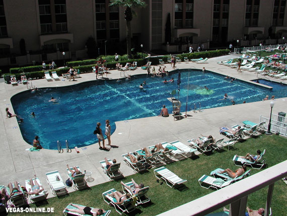 Hotel Riviera Pool