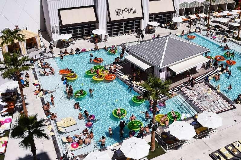 Pool SLS Las Vegas