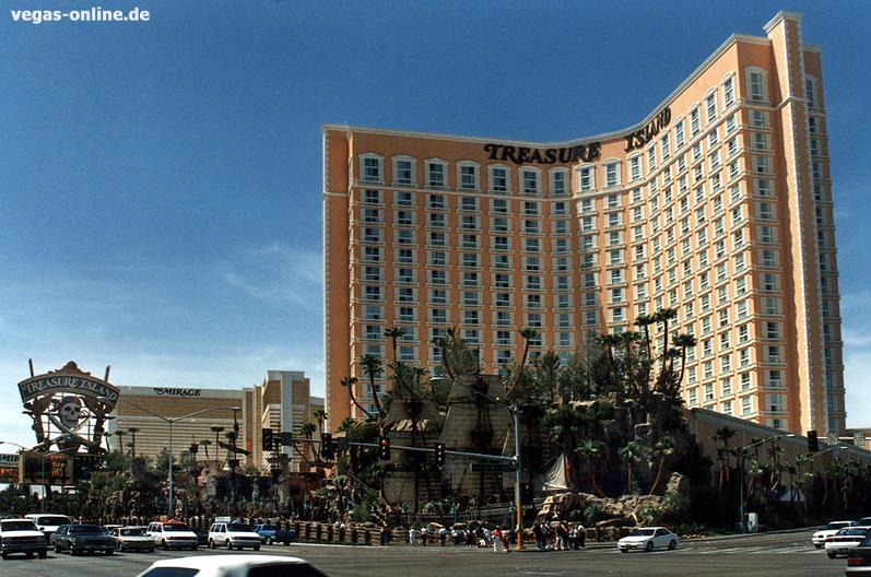 Hotel Treasure Island 1993