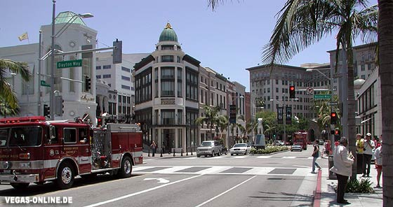 Rodeo Drive - rechts das Hotel Beverly Wilshire (Pretty Woman)