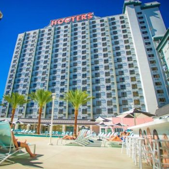 Hooters Hotel
